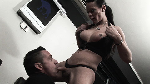 003 Me follé a una travesti en el bar del gimnasio