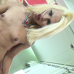 Tgirl nicoly close is young and beautiful.
